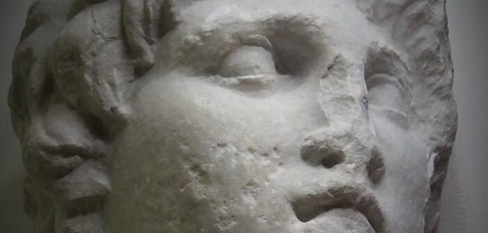 Veroia Arkeoloji Müzesi'nin Deposunda Büyük İskender Heykeli Bulundu